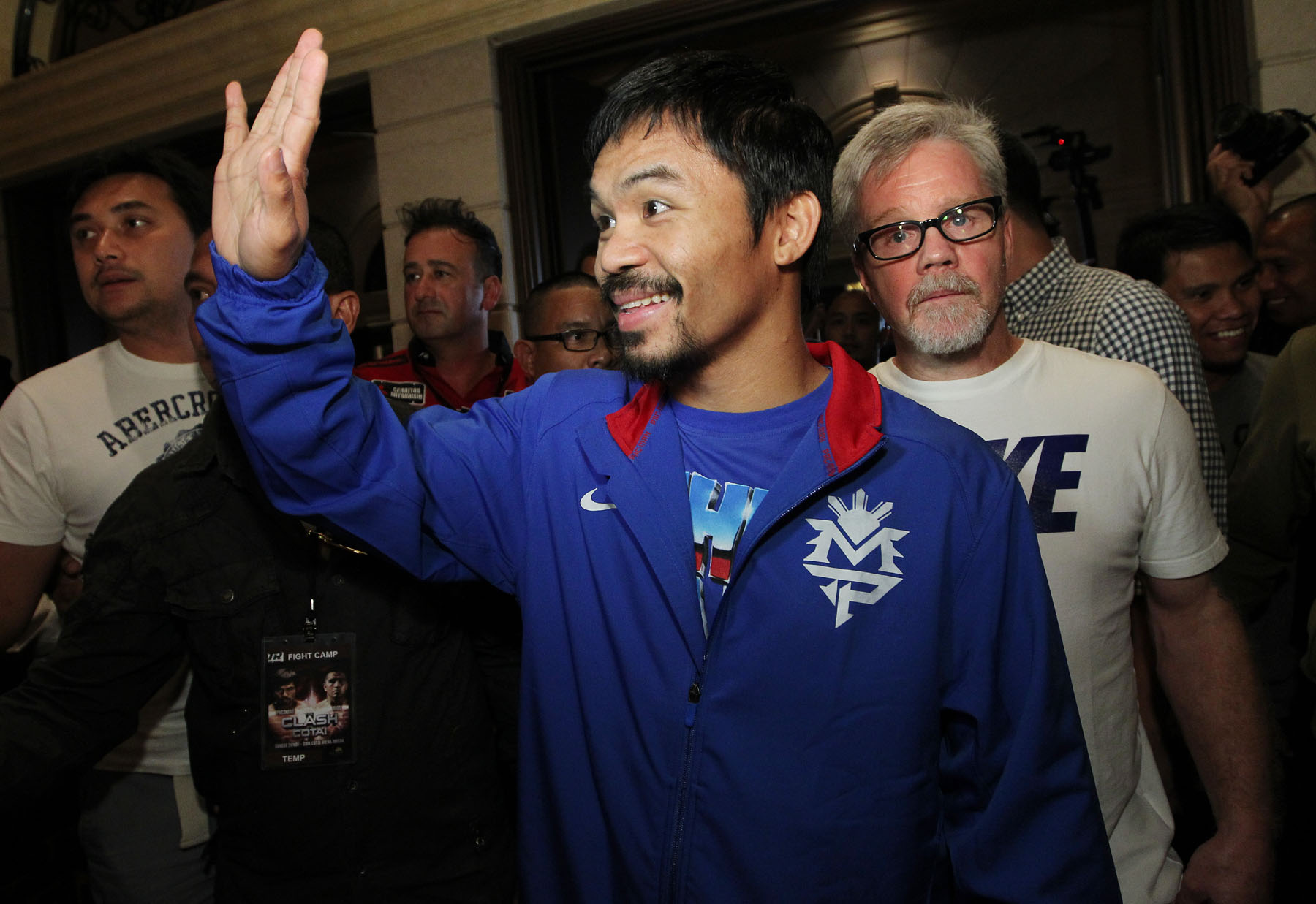Pacquiao grand arrival_131119_002a