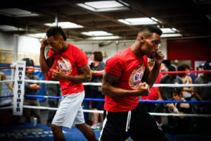 LR_MEDIA-WORKOUT-CHARLO-BROTHERS-TRAPPFOTOS-05182016-4956