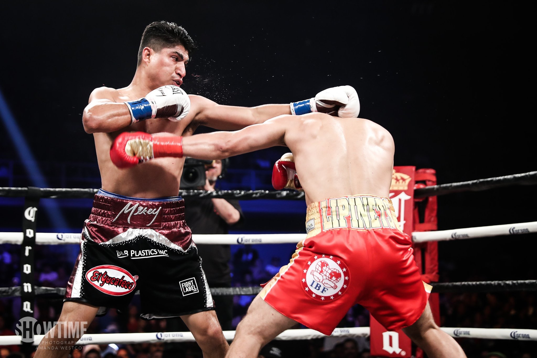 Mikey Garcia vs. Robert Easter Jr. averages 680,000 viewers on Showtime