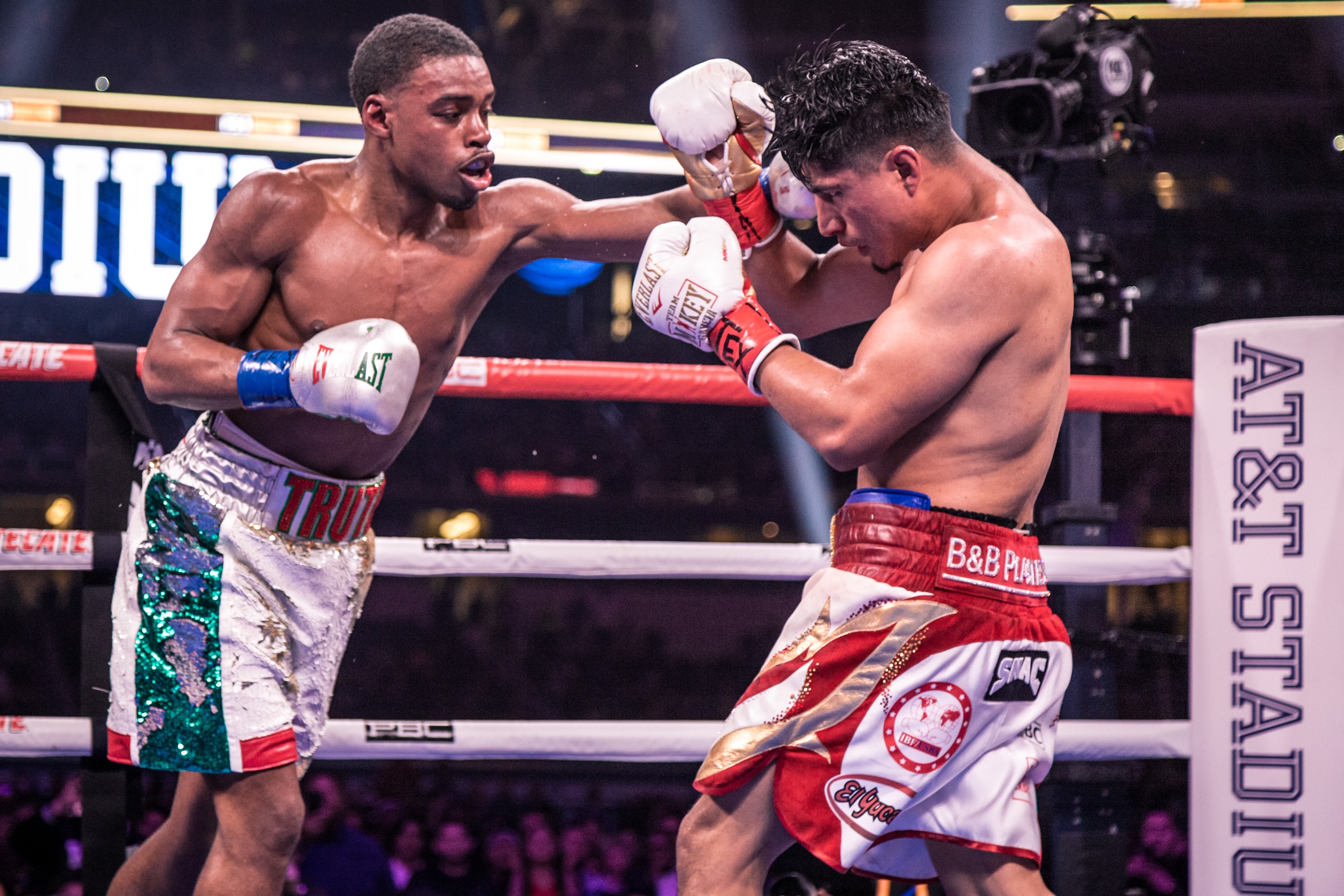 C0C04B2A 37EA 40CA ADC8 48DF7246177C - Spence vs. Garcia: Fans or Family?