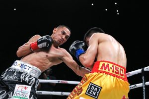 2D5FB452 DE14 41C9 9FA9 3B6058FF1BF2 300x200 - Estrada Bests Sor Rungvisai in Rematch at the Forum