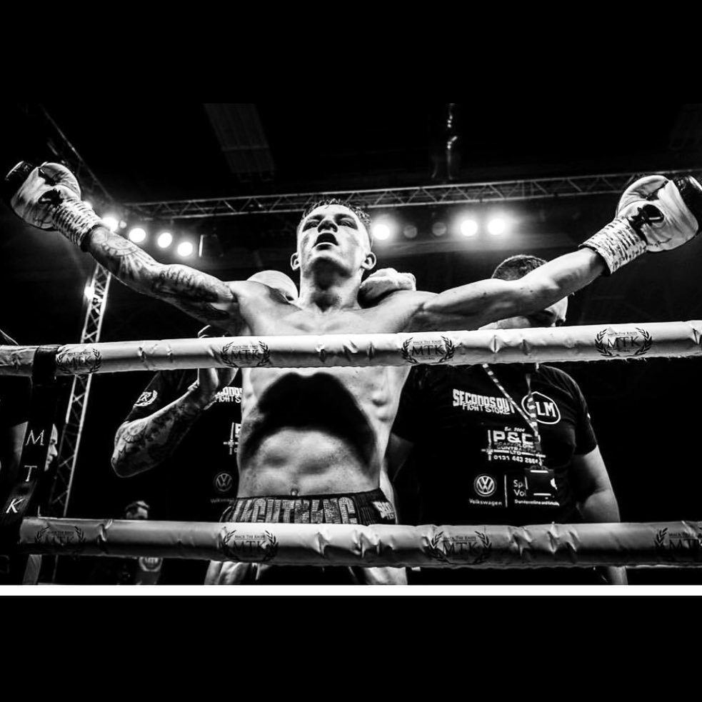 D9 bdt7XkAA3Vep - McGregor and Smith Retain Titles in Glasgow