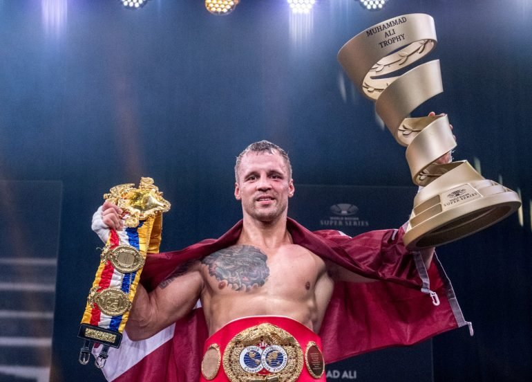 Bre - Mairis Briedis And Yuniel Dorticos Quietly Puts On A Show On A Night Filled With Boxing