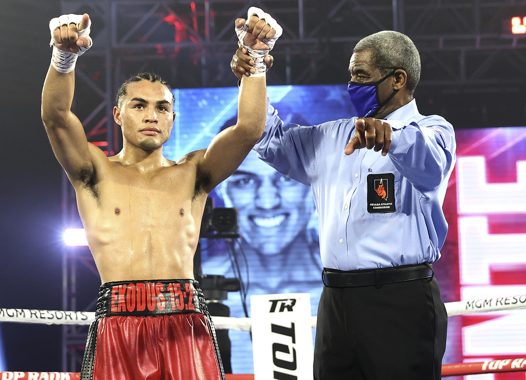 Puente  - ESPN+ Boxing Results: Eric Puente Keeps His Undefeated Record Against Luis Norambuena