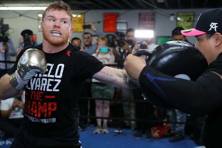 """Canelo Alvarez Isn't Worried About Quick Turnaround For Billy Joe Saunders Showdown: """"Just One Week Off And Come Back To Train, I'm Always Training"""""""