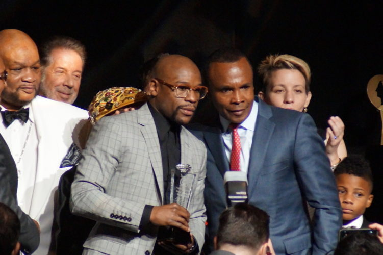 "Sugar Ray Leonard Unsure How He Would Beat Floyd Mayweather In A Fantasy Matchup: ""I Would Have To Pull Out All My Tools"""