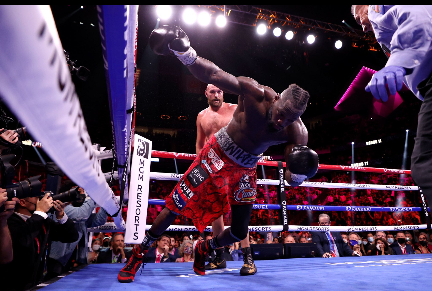 """Tyson Fury: """"I Hit Him [Deontay Wilder] With A Crunching Right Hook Upside The Temple, Shots Like That End Careers"""""""